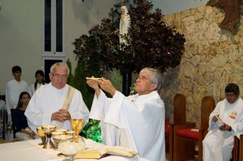 Santa Ceia do Senhor, Lava Pés e Adoração ao Santíssimo Sacramento