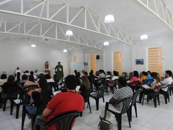 Paróquia realiza retiro com integrantes da Catequese